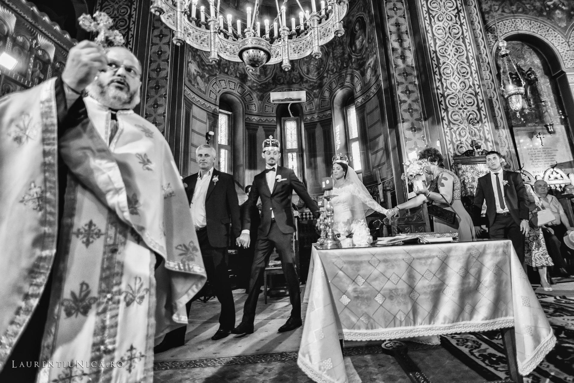 Cristina si Ovidiu nunta Craiova fotograf laurentiu nica 088 - Cristina & Ovidiu | Fotografii nunta | Craiova