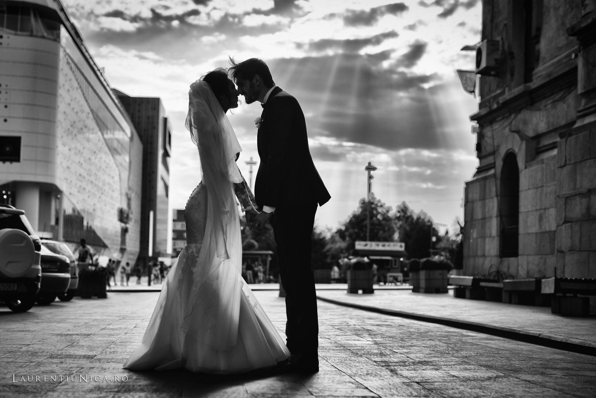 Cristina si Ovidiu nunta Craiova fotograf laurentiu nica 105 - Cristina & Ovidiu | Fotografii nunta | Craiova