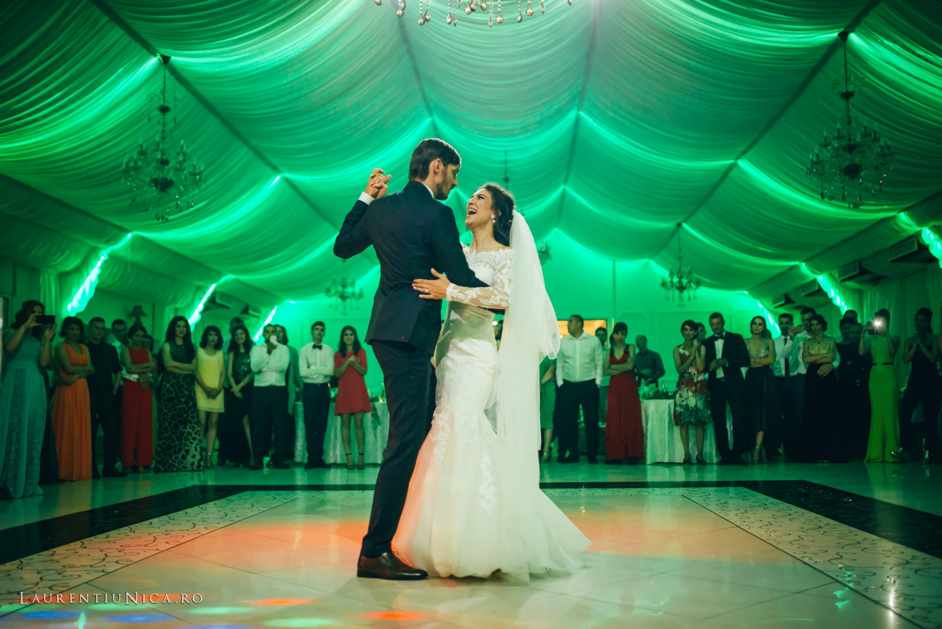 Cristina si Ovidiu nunta Craiova fotograf laurentiu nica 124 - Cristina & Ovidiu | Fotografii nunta | Craiova