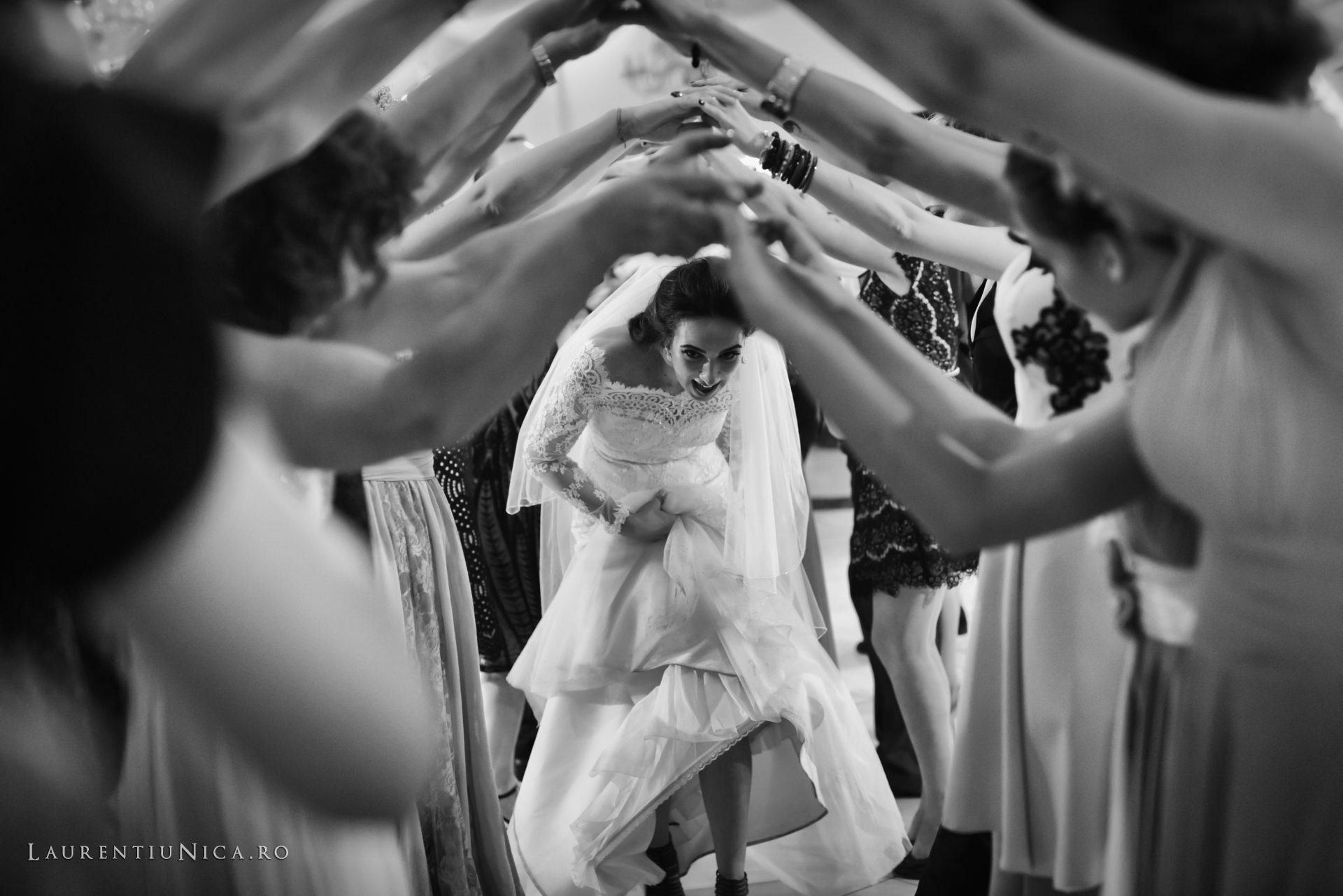 Cristina si Ovidiu nunta Craiova fotograf laurentiu nica 147 - Cristina & Ovidiu | Fotografii nunta | Craiova