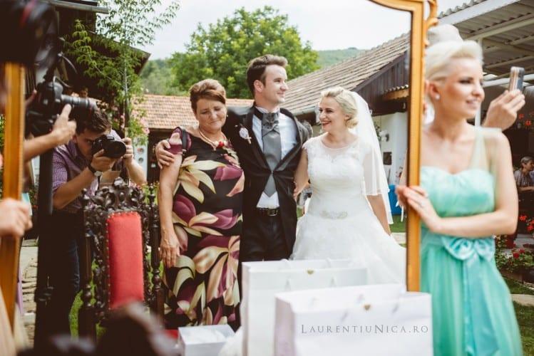 LAU 4188 fb 749x500 - Luiza & Cosmin | Fotografii nunta | Valcea