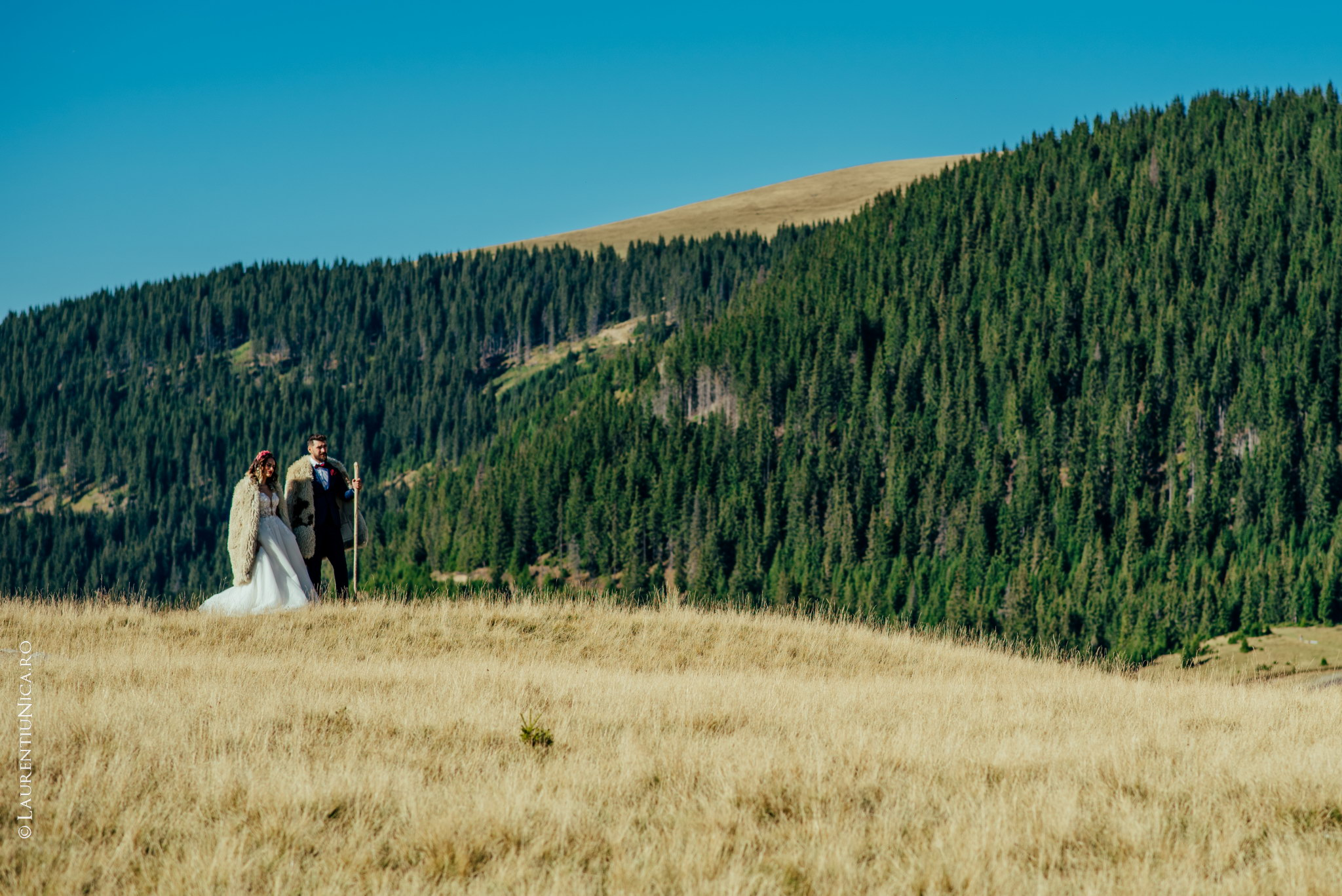 aida si alin fotograf nunta laurentiu nica transalpina 05 - Aida & Alin | Fotografii After Wedding | Transalpina - Muntii Parang