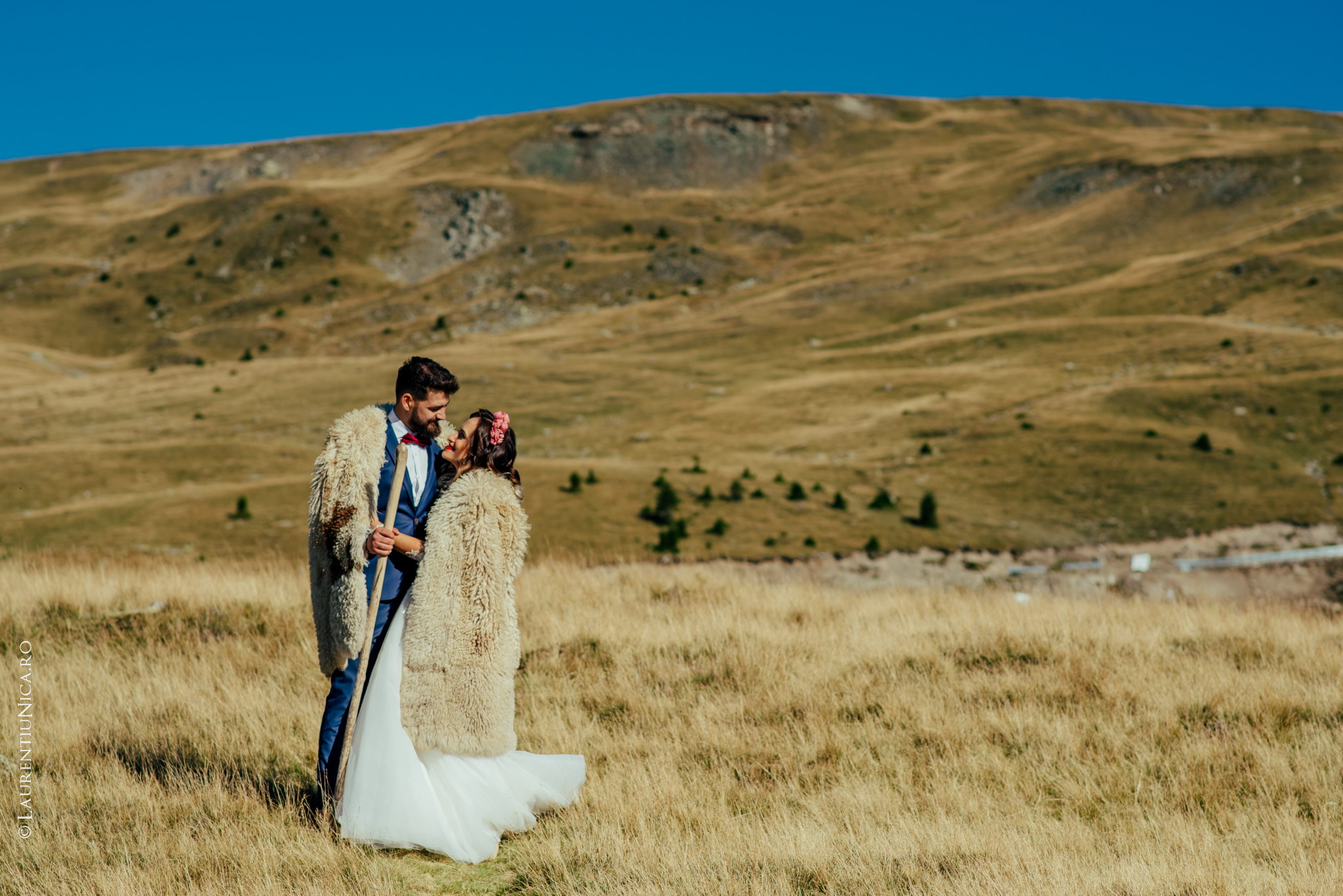 aida si alin fotograf nunta laurentiu nica transalpina 07 - Aida & Alin | Fotografii After Wedding | Transalpina - Muntii Parang