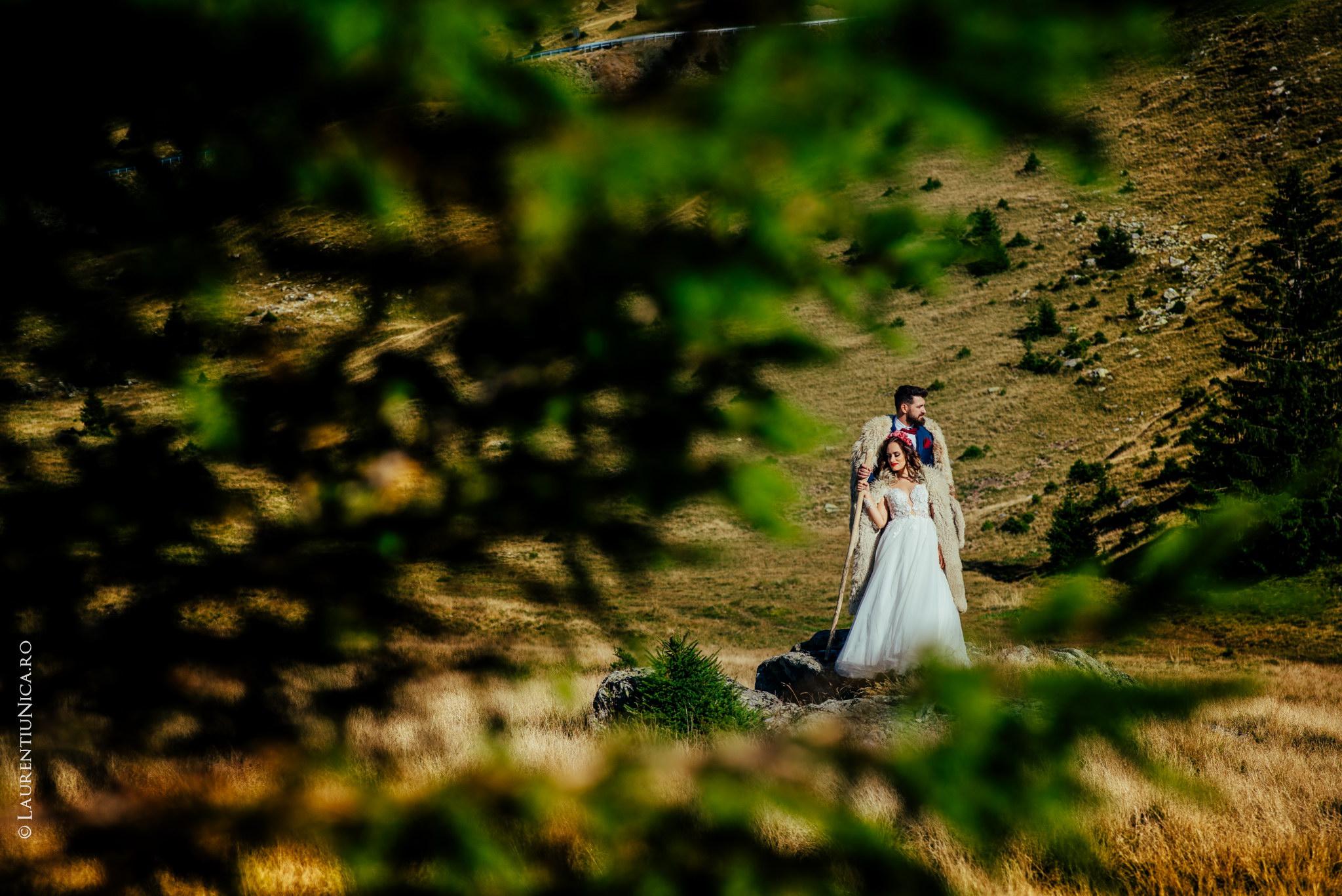 aida si alin fotograf nunta laurentiu nica transalpina 11 - Aida & Alin | Fotografii After Wedding | Transalpina - Muntii Parang