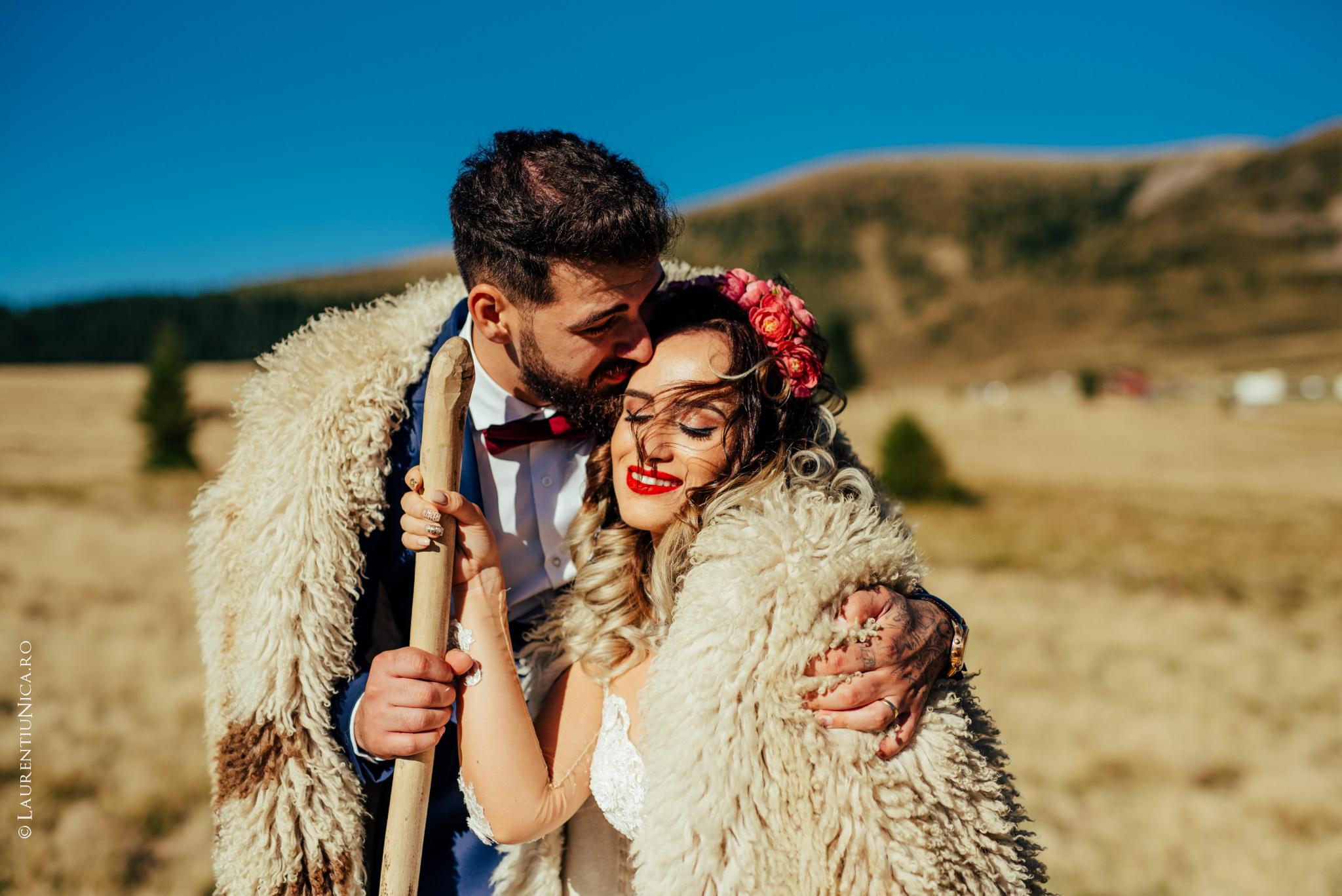 aida si alin fotograf nunta laurentiu nica transalpina 12 - Aida & Alin | Fotografii After Wedding | Transalpina - Muntii Parang