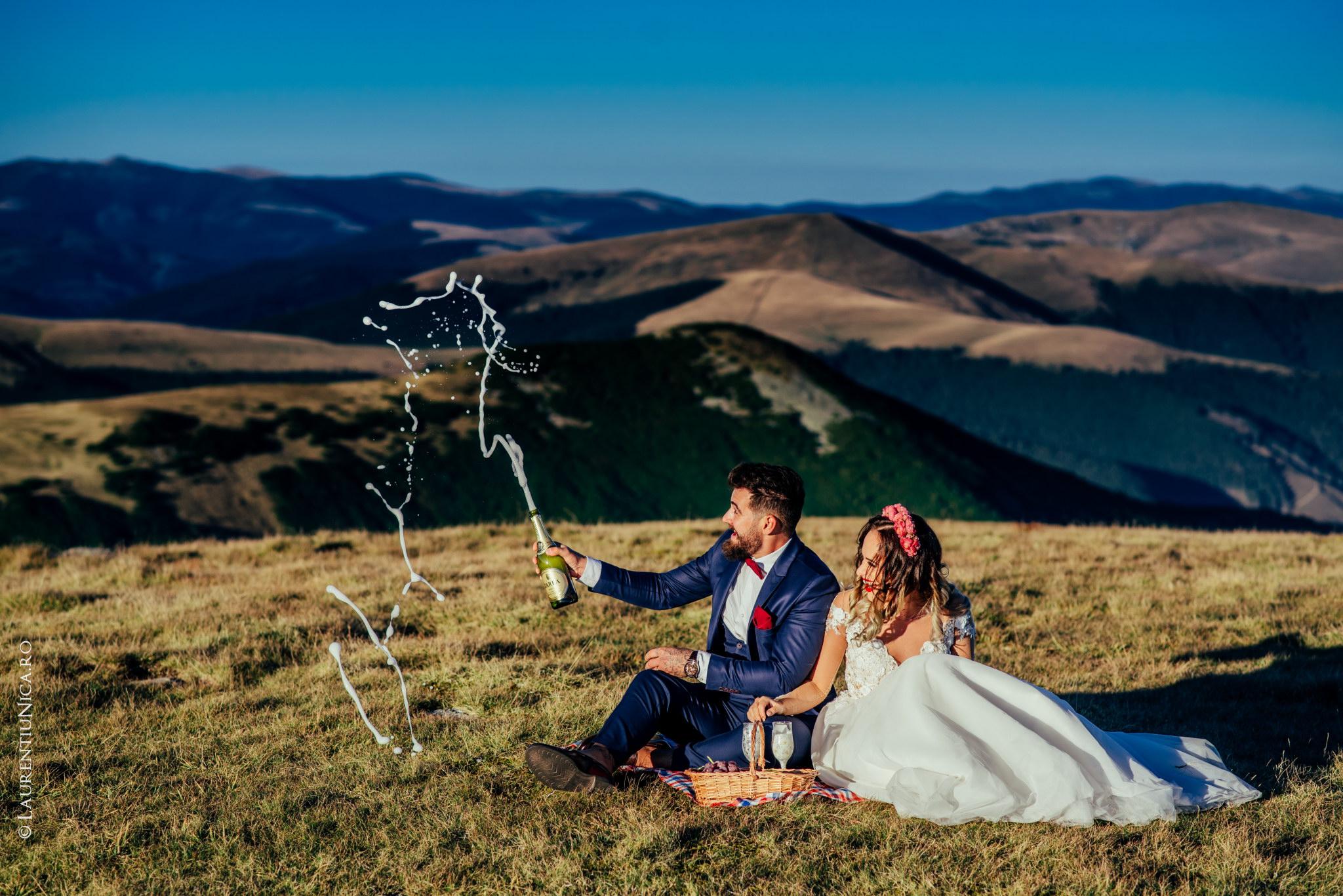 aida si alin fotograf nunta laurentiu nica transalpina 19 - Aida & Alin | Fotografii After Wedding | Transalpina - Muntii Parang