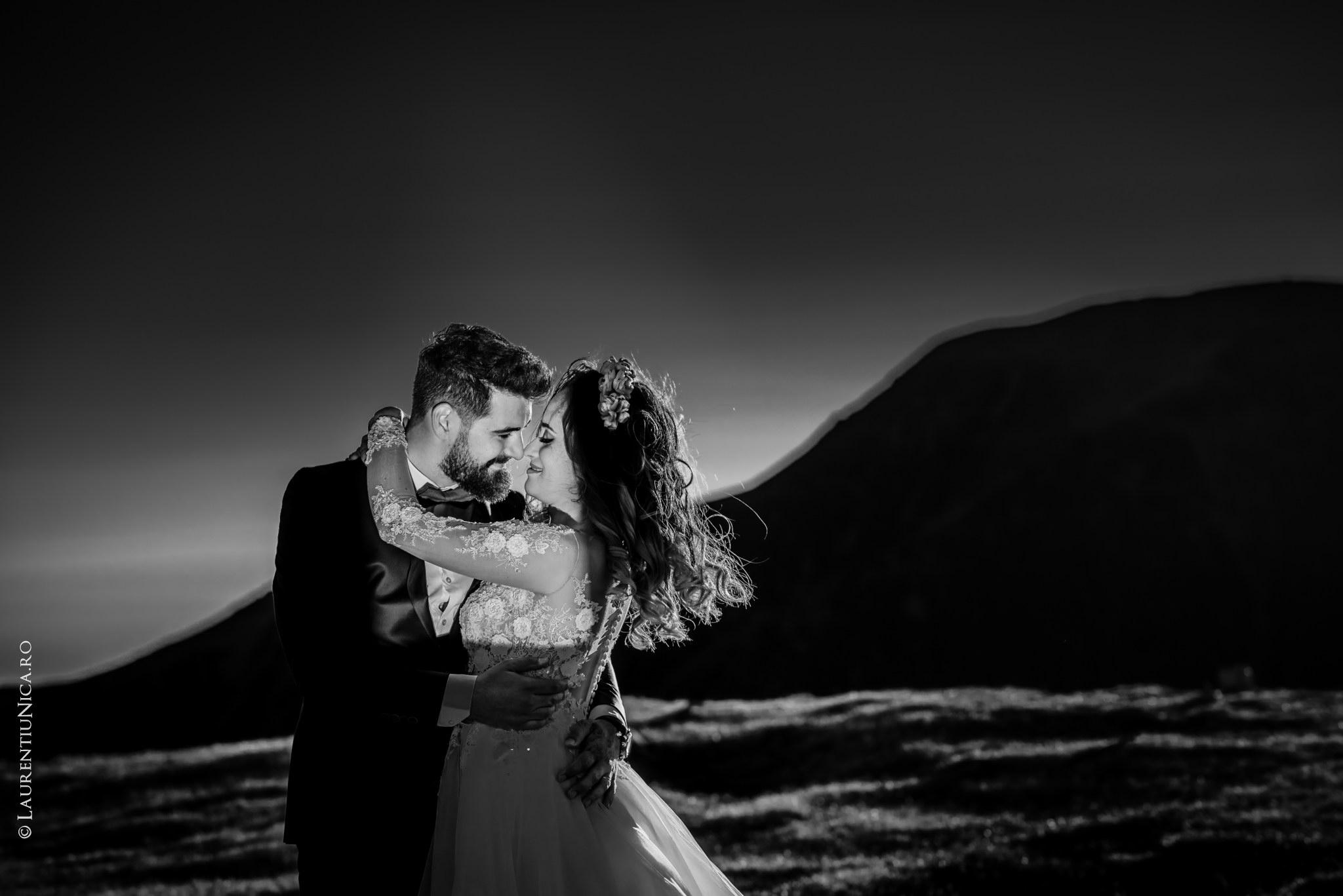 aida si alin fotograf nunta laurentiu nica transalpina 21 - Aida & Alin | Fotografii After Wedding | Transalpina - Muntii Parang