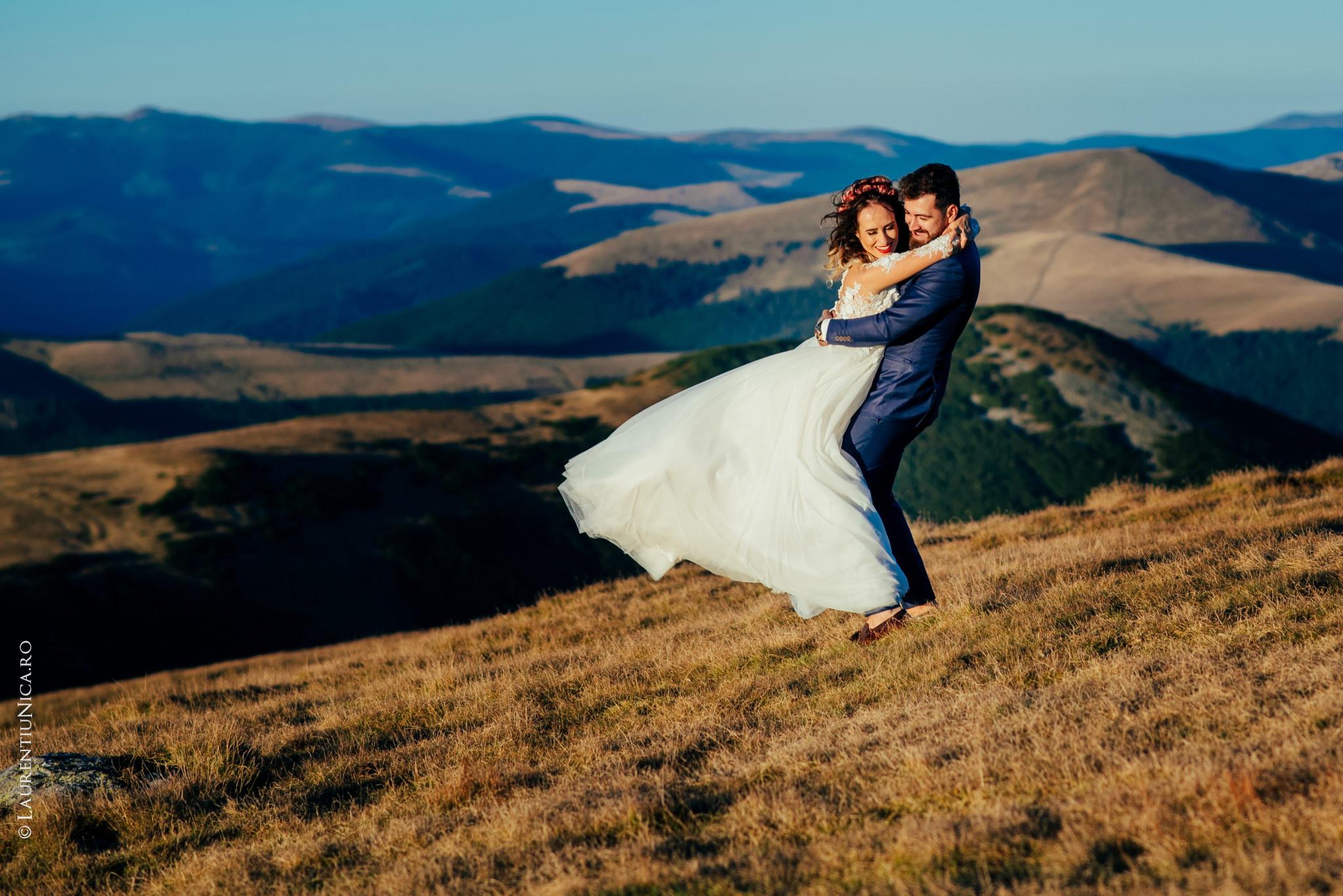 aida si alin fotograf nunta laurentiu nica transalpina 26 - Aida & Alin | Fotografii After Wedding | Transalpina - Muntii Parang