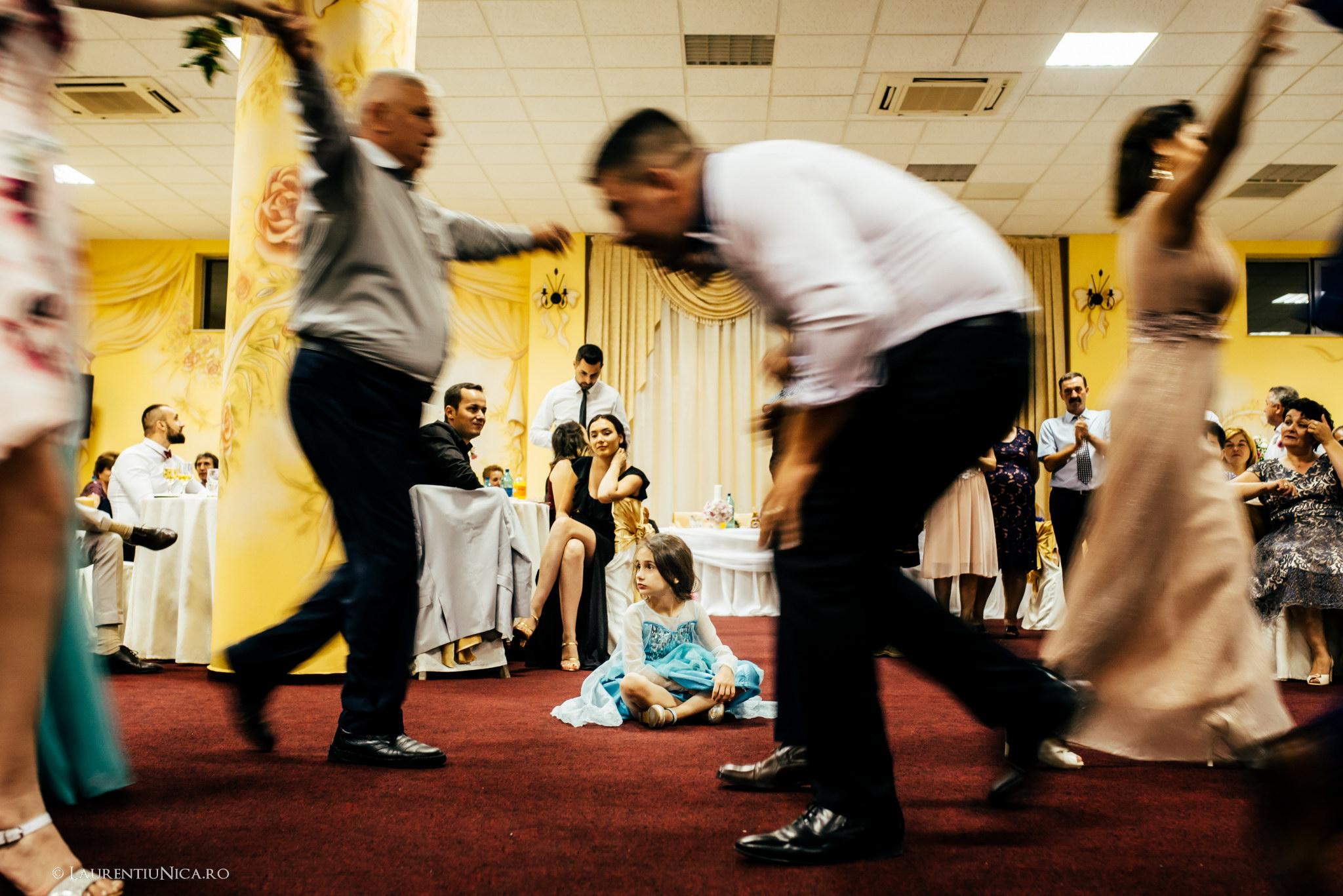 daiana si madalin fotograf nunta laurentiu nica targu jiu gorj 26 - Daiana & Madalin | Fotografii nunta | Targu-Jiu | Gorj