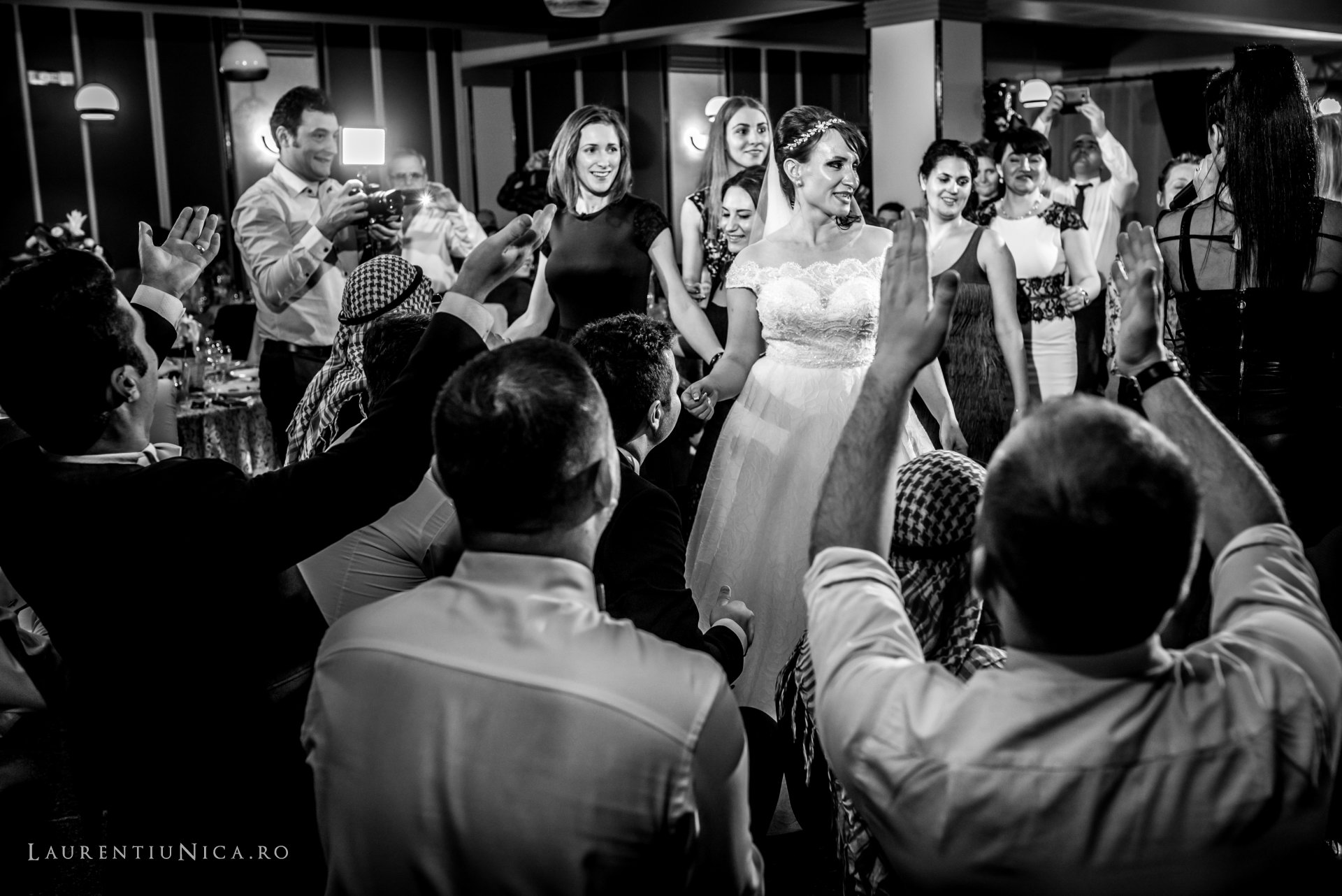 daniela si marius fotografii nunta craiova laurentiu nica69 - Daniela & Marius | Fotografii nunta