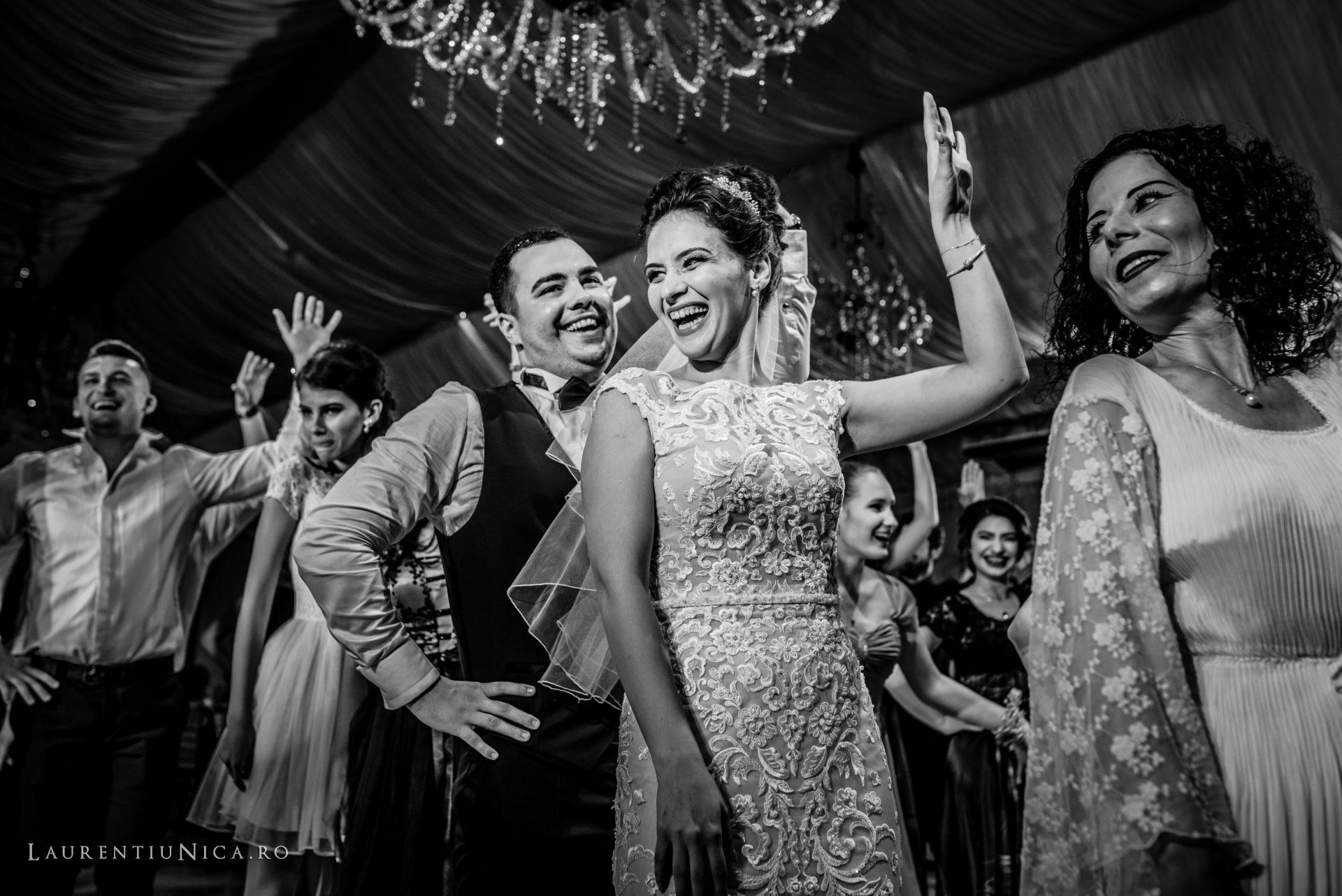 denisa si catalin fotograf nunta laurentiu nica craiova 75 - Denisa si Catalin | Fotografii nunta | Craiova
