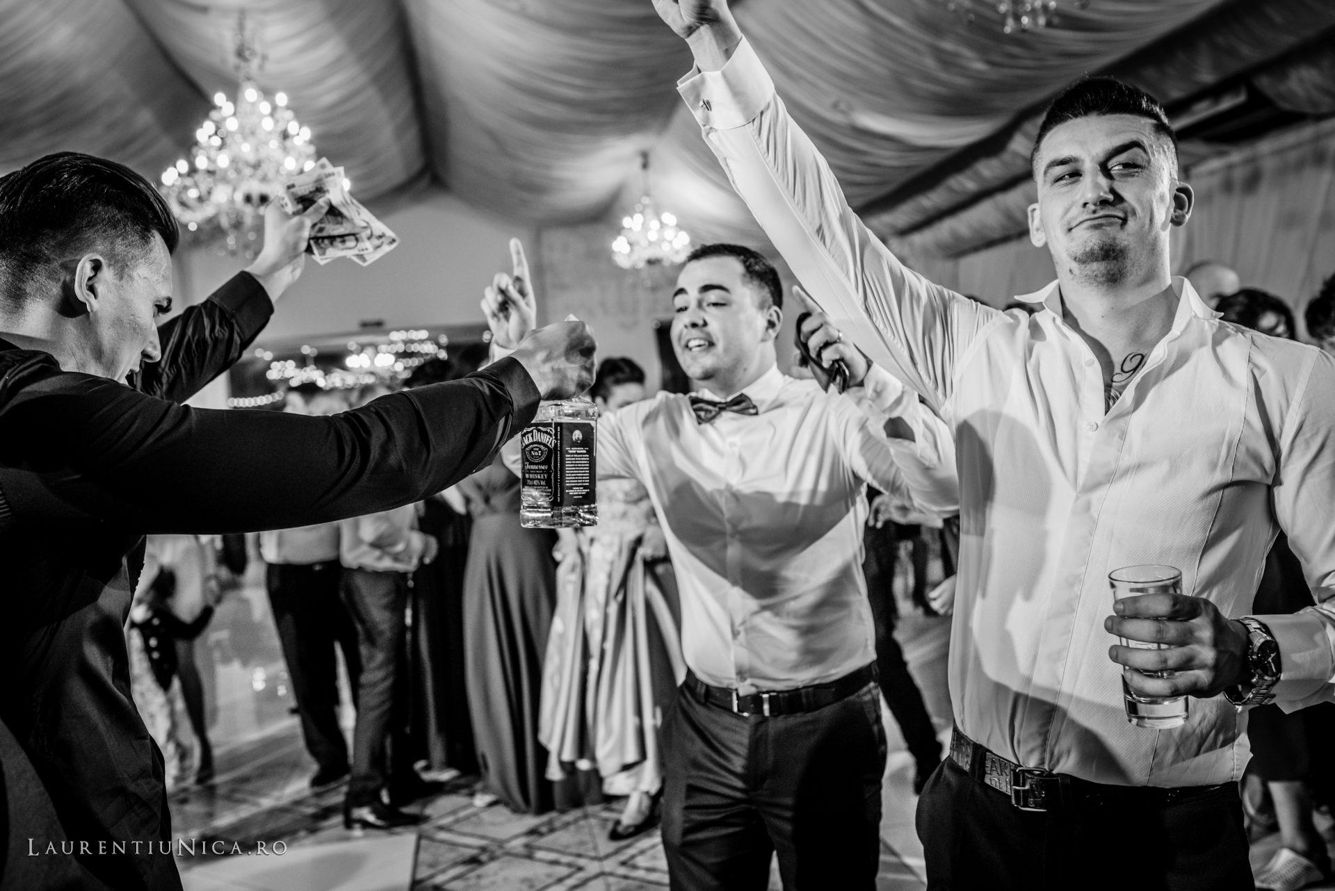 denisa si catalin fotograf nunta laurentiu nica craiova 85 - Denisa si Catalin | Fotografii nunta | Craiova
