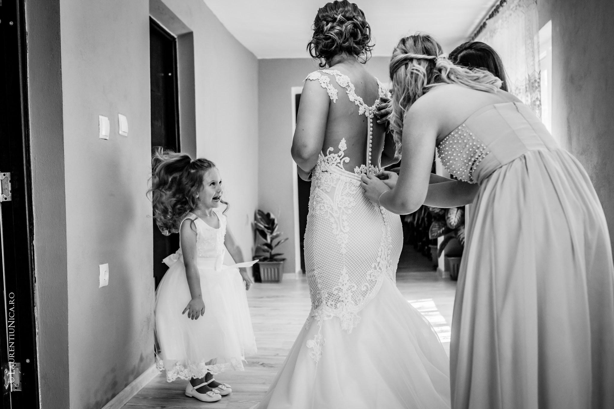 fotografii nunta Roxana si Cosmin fotograf nunta laurentiu nica 16 - Roxana & Cosmin | Fotografii nunta | Ticleni, judetul Gorj