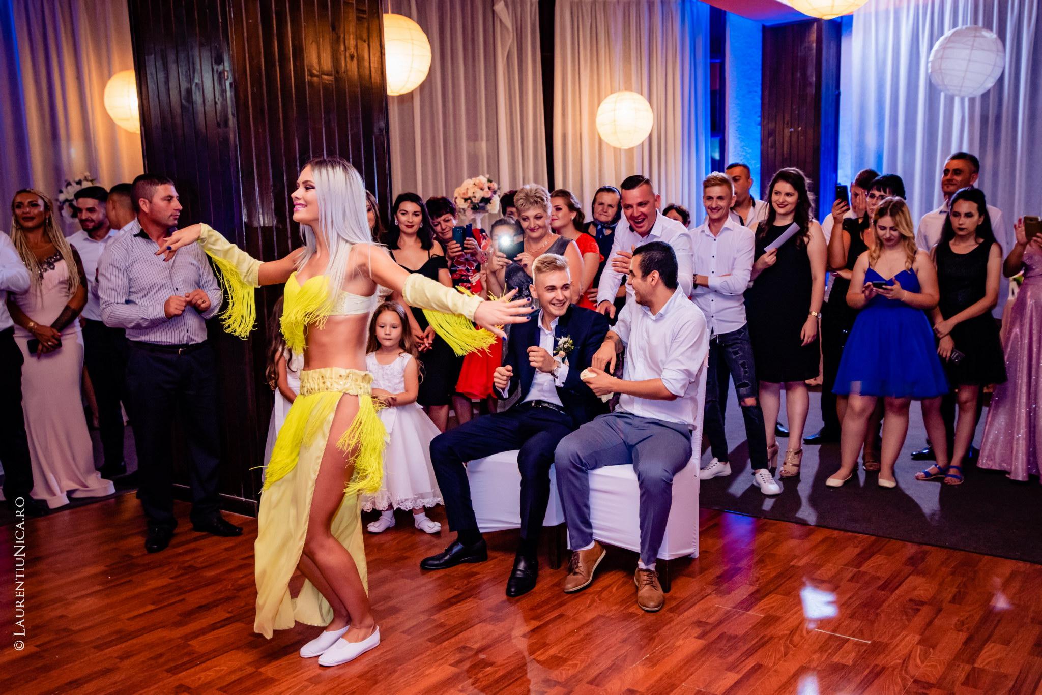 fotografii nunta Roxana si Cosmin fotograf nunta laurentiu nica 41 - Roxana & Cosmin | Fotografii nunta | Ticleni, judetul Gorj