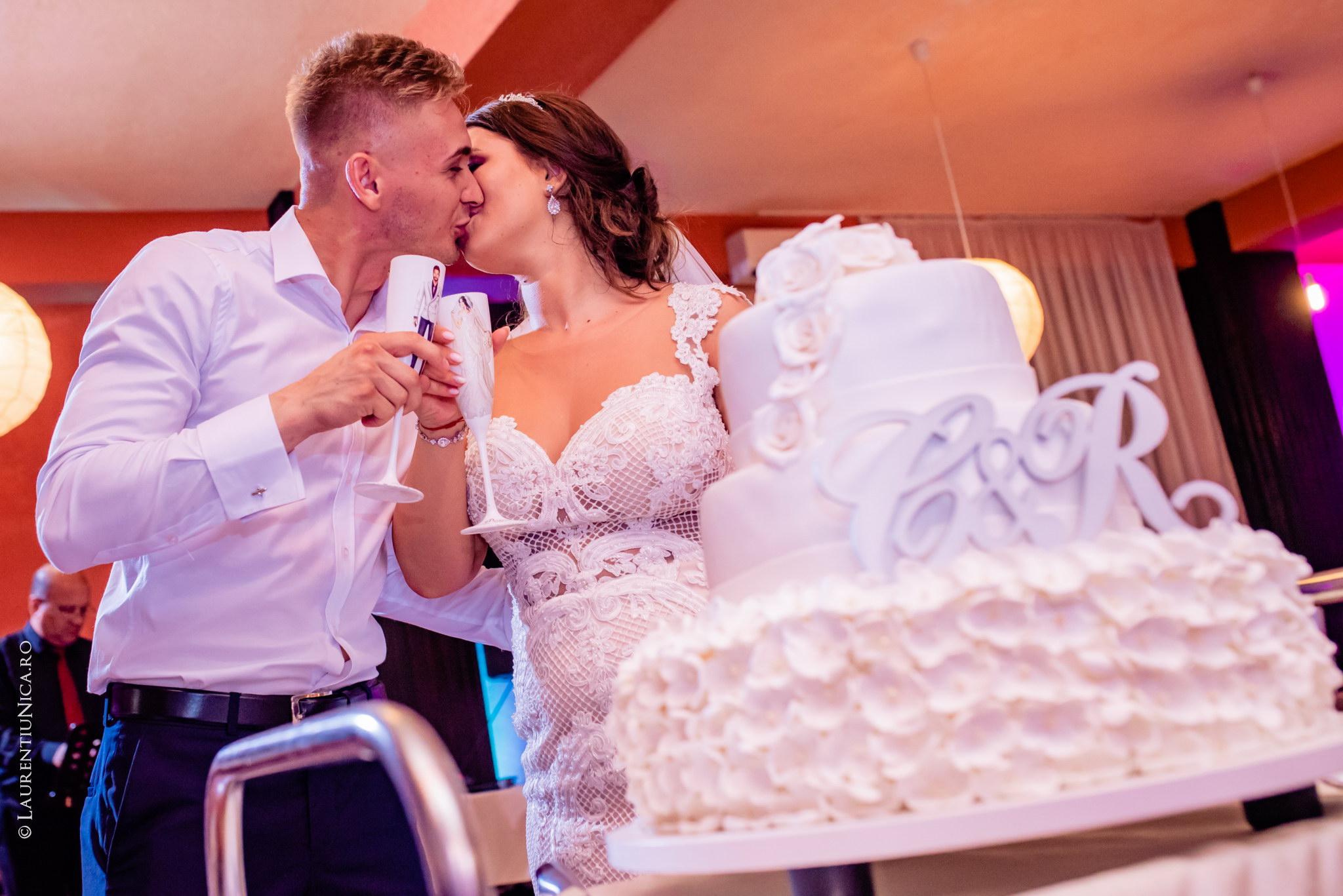fotografii nunta Roxana si Cosmin fotograf nunta laurentiu nica 43 - Roxana & Cosmin | Fotografii nunta | Ticleni, judetul Gorj