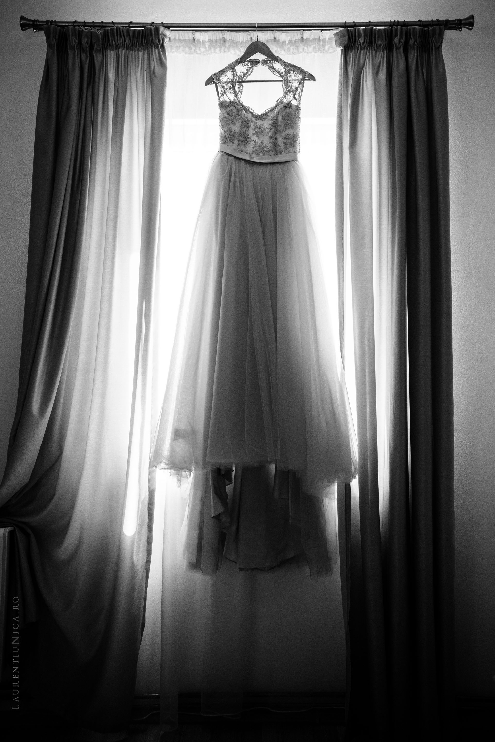 lavinia si adi fotograf laurentiu nica craiova 014 - Lavinia & Adi | Fotografii nunta