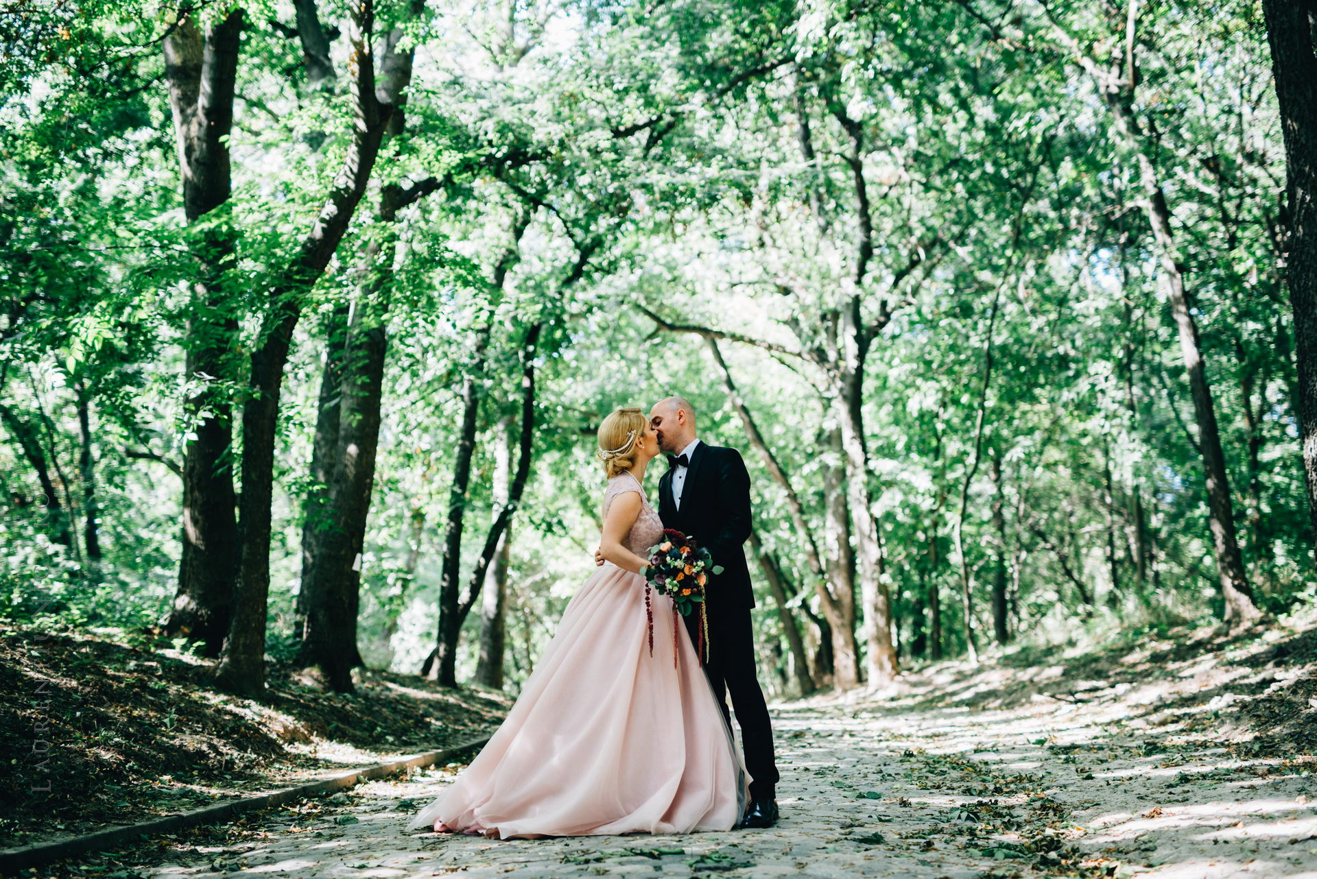 lavinia si adi fotograf laurentiu nica craiova 023 - Lavinia & Adi | Fotografii nunta
