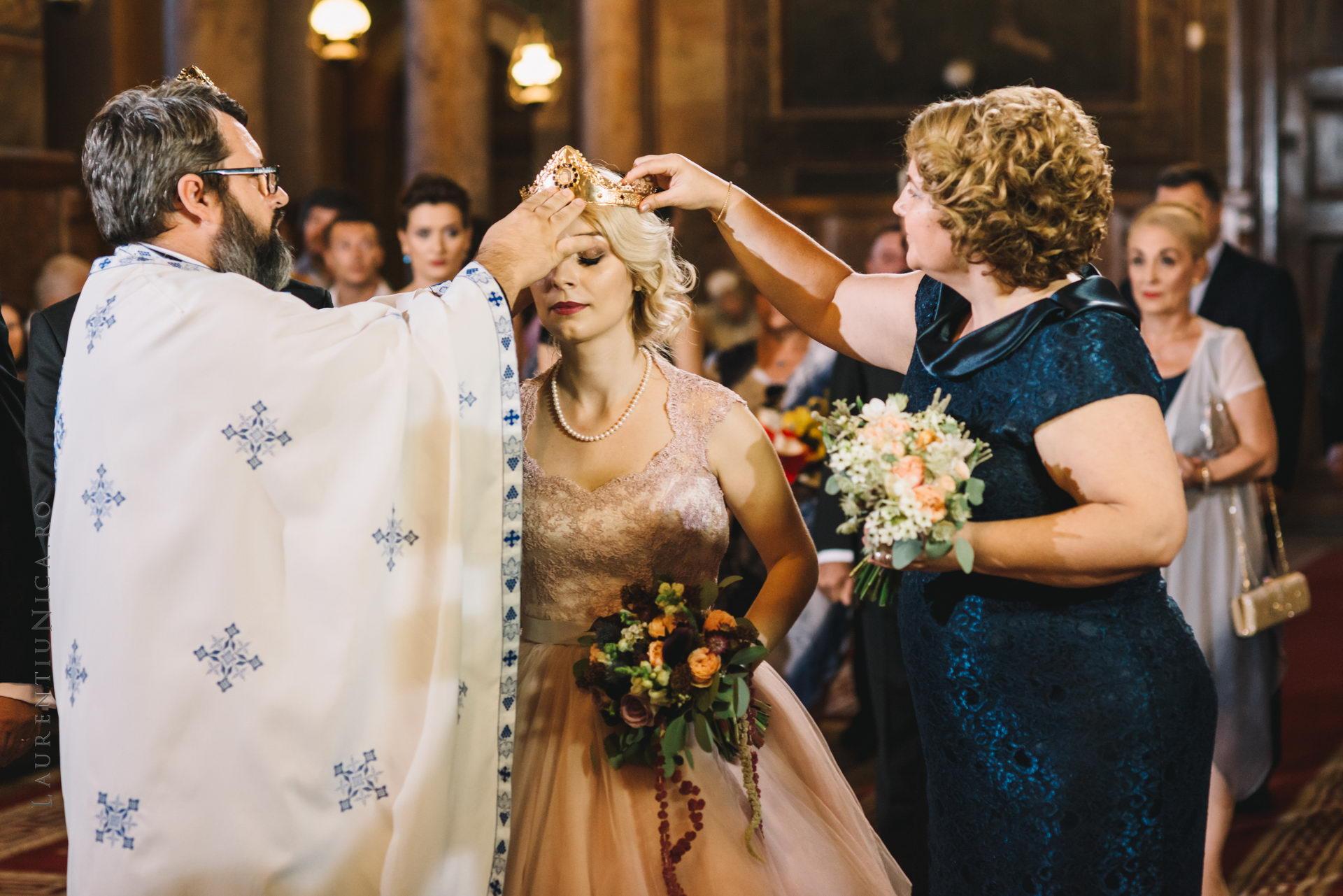 lavinia si adi fotograf laurentiu nica craiova 044 - Lavinia & Adi | Fotografii nunta