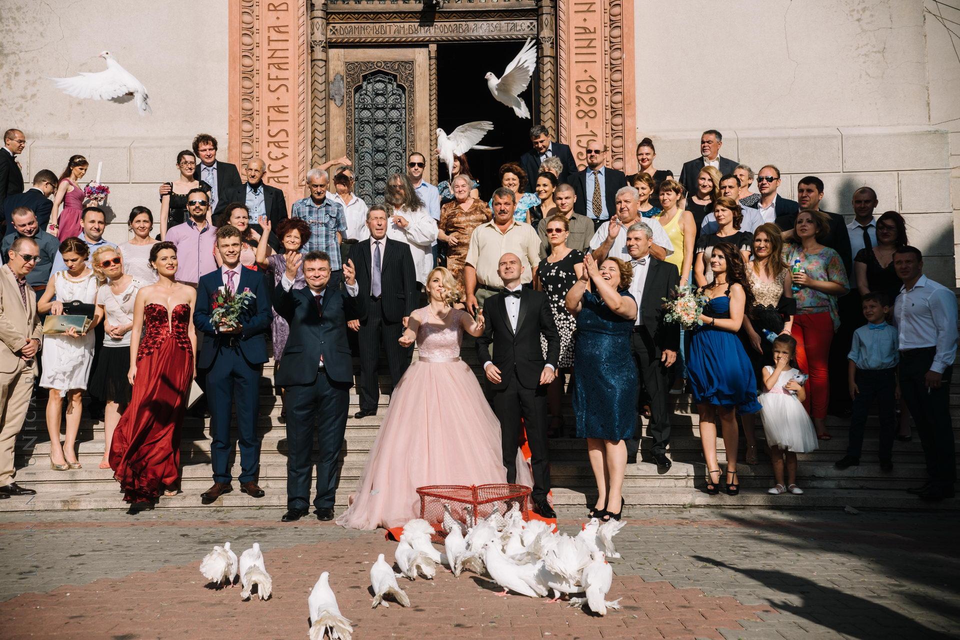 lavinia si adi fotograf laurentiu nica craiova 046 - Lavinia & Adi | Fotografii nunta