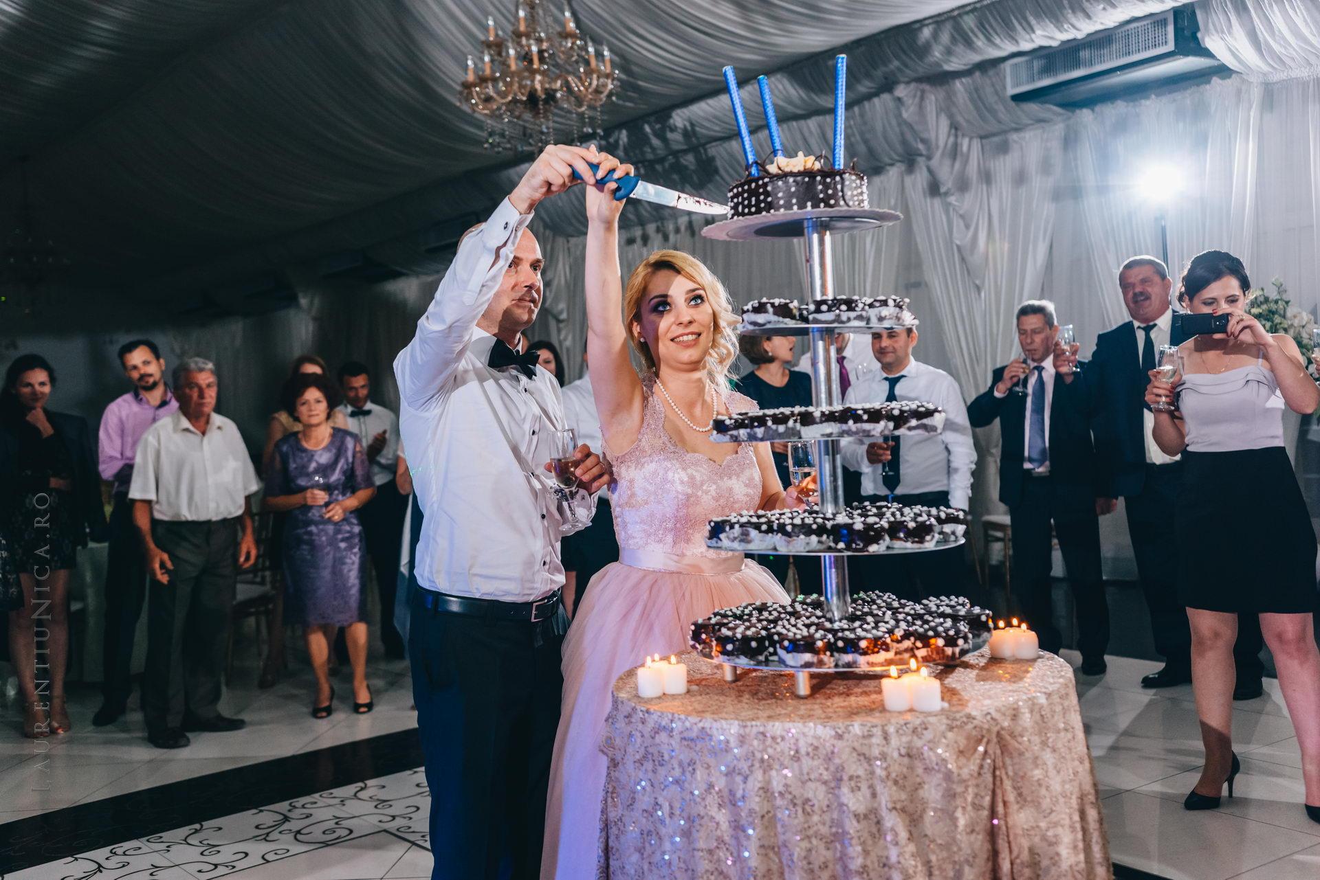 lavinia si adi fotograf laurentiu nica craiova 081 - Lavinia & Adi | Fotografii nunta