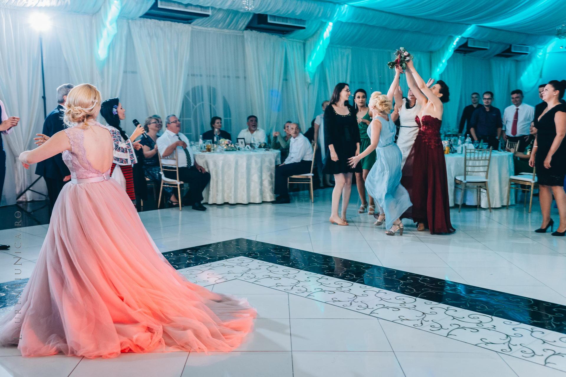 lavinia si adi fotograf laurentiu nica craiova 083 - Lavinia & Adi | Fotografii nunta
