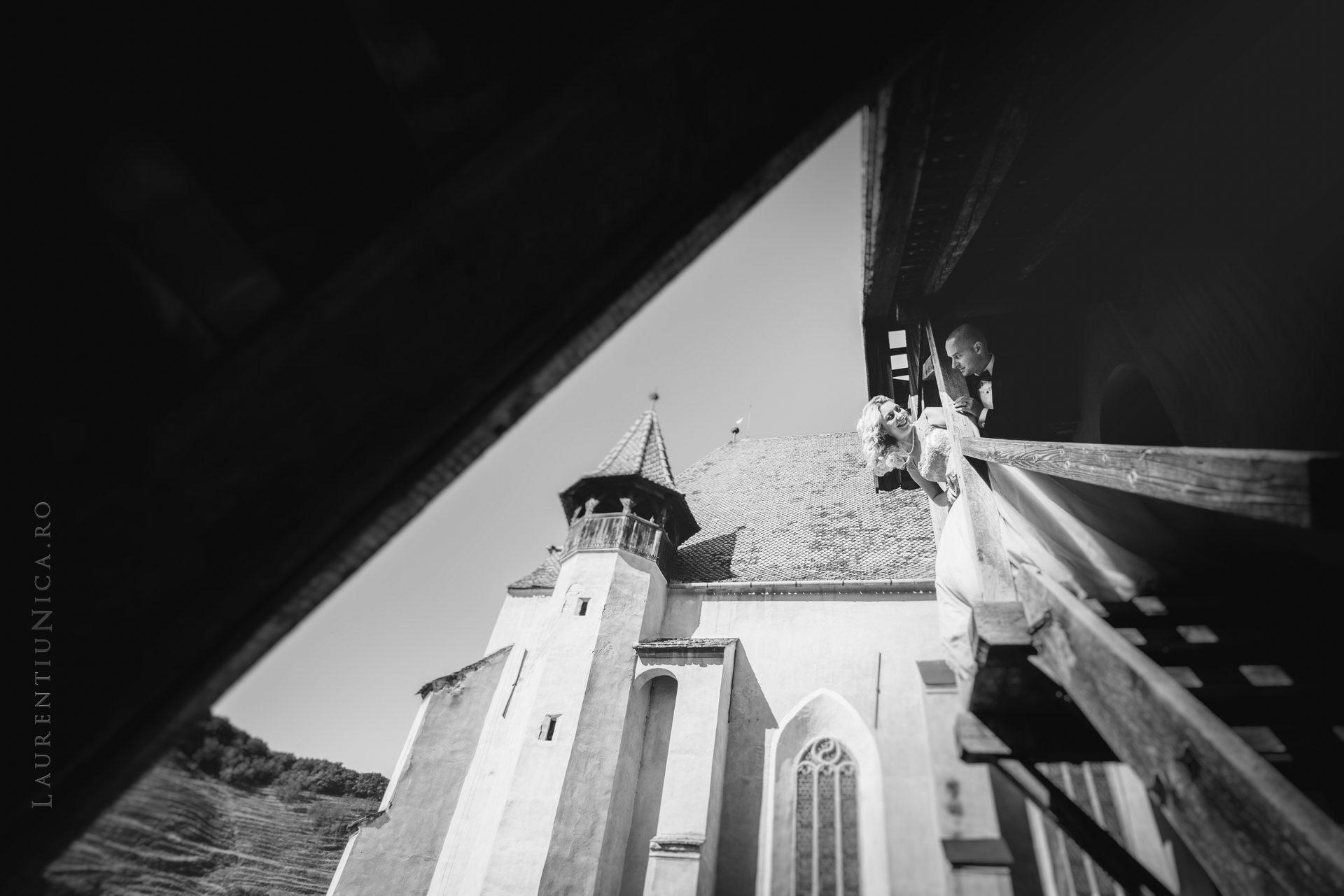 lavinia si adi fotograf laurentiu nica sighisoara biertan 017 - Lavinia & Adi | Fotografii After Wedding | Sighisoara & Biertan