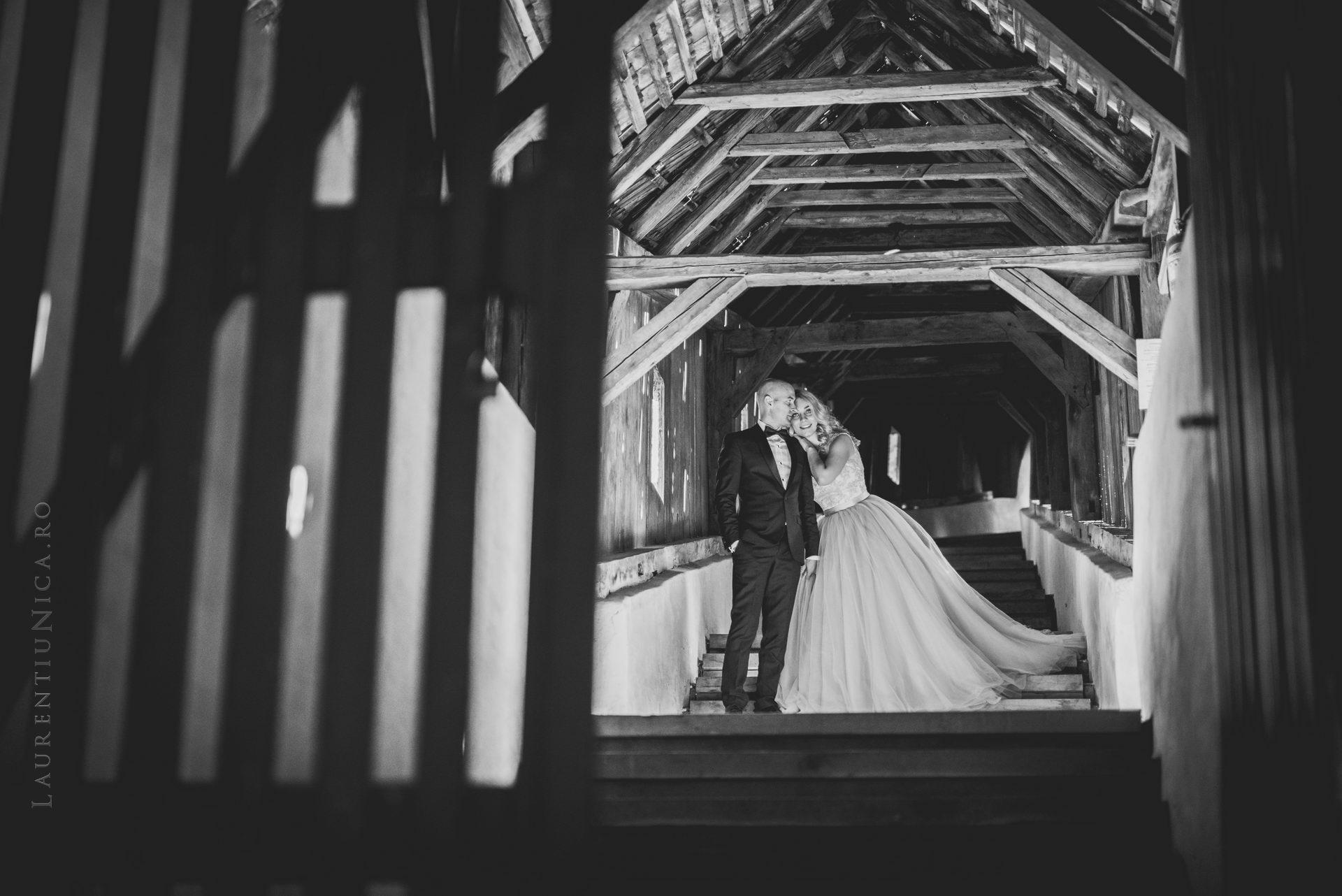 lavinia si adi fotograf laurentiu nica sighisoara biertan 025 - Lavinia & Adi | Fotografii After Wedding | Sighisoara & Biertan