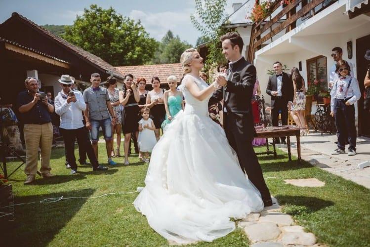 luiza cosmin valcea fotograf nunta craiova laurentiu nica 22 749x500 - Luiza & Cosmin | Fotografii nunta | Valcea