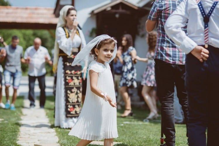 luiza cosmin valcea fotograf nunta craiova laurentiu nica 24 749x500 - Luiza & Cosmin | Fotografii nunta | Valcea