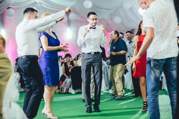 luiza cosmin valcea fotograf nunta craiova laurentiu nica 96 749x500 - Luiza & Cosmin | Fotografii nunta | Valcea